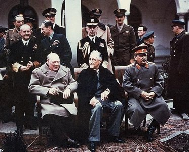 742px-Yalta_summit_1945_with_Churchill,_Roosevelt,_Stalin