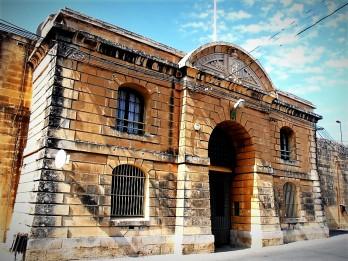 Paola Kordin Naval..al Prisons Kordin4